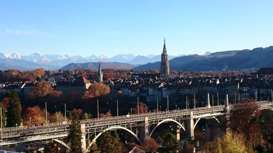 Vista dalla terrazza del Meridiano - Bild von Meridiano, Bern ...