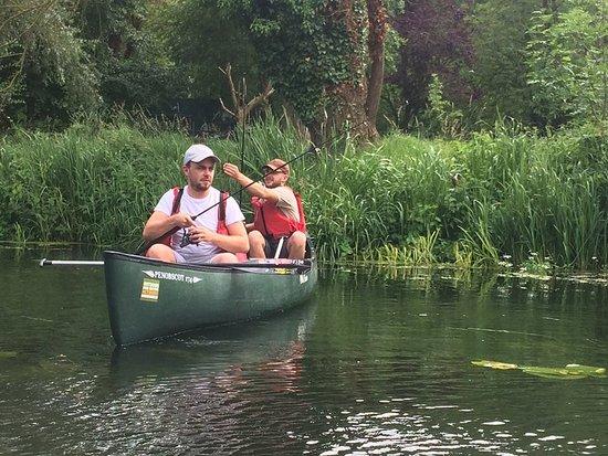 East Bergholt, UK: Canoe Fishing on the Stour