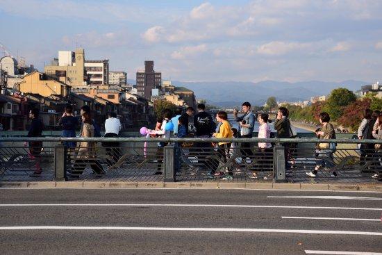 Photo of Shijo Bridge in Kyoto, Ky, JP