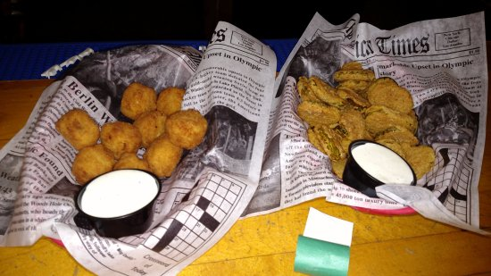 Heart II - Arbor Vitae , Woodruff , Minocqua - great Northwoods bar food - Cowboy Corn Nuggets