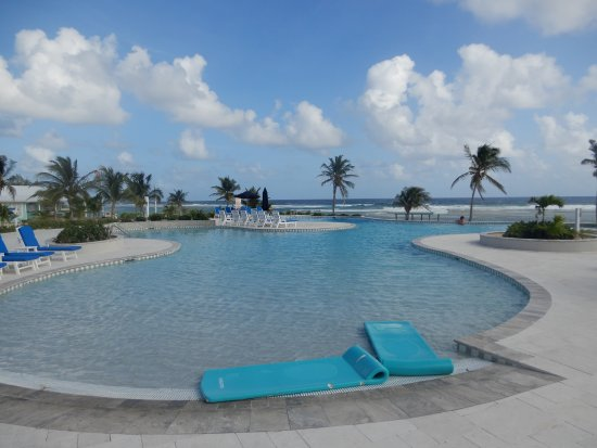Cayman Brac Beach Resort: Great new pool and hot tub