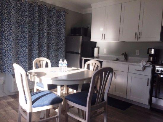 Hartman's Briney Breezes Motel: Dining area