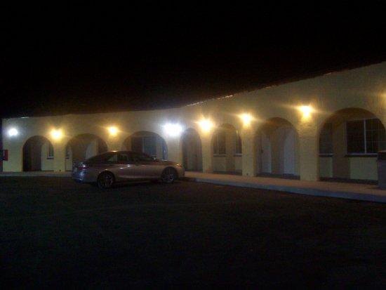 Baker, Californië: Exterior view, Santa Fe Motel