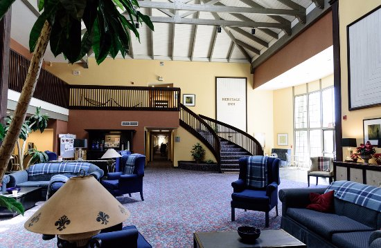 Ridgecrest, CA: Come and mingle in our large lobby.