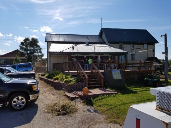 Kewaunee, WI: The outdoor bar at Jeff's Bar and Grill in Alaska, Wis.