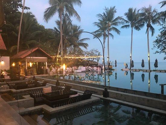 Le Meridien Koh Samui Resort & Spa: Pool/restaurant area setup for a wedding