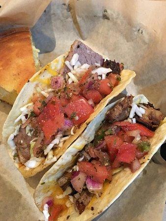 Waynesboro, Wirginia: Brisket tacos with jalapeno cornbread
