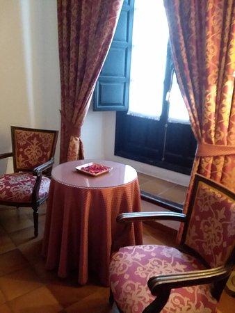Hotel San Gabriel: Sitting area