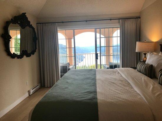 Malahat, Canada: Beautiful bedroom view.