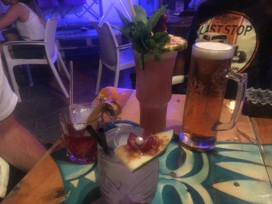 Agua Tiki Bar: photo2.jpg