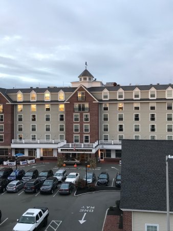 Salem Waterfront Hotel & Suites Image