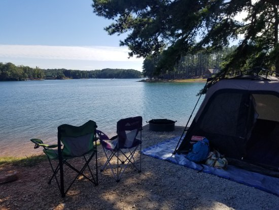 Seneca, SC: Campsite on the water.