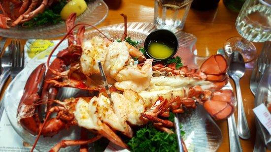 Mabel's Lobster Claw: Prawn stuffed lobster