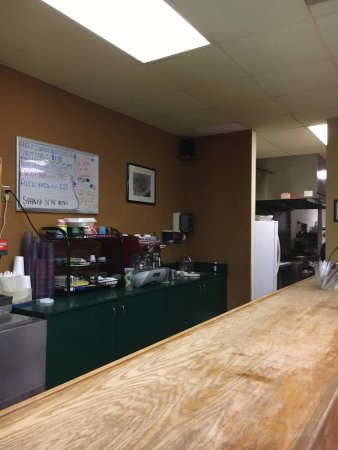 Longwood, FL: Counter area and doorway to kitchen