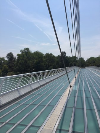 Sundial Bridge: Walking on glass