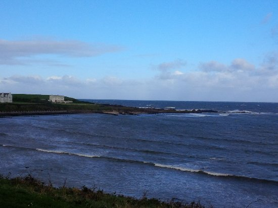 Portballintrae, UK: Dramatic views from the Bayview Hotel