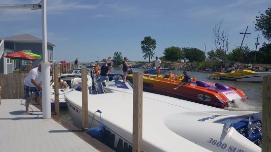 Curtice, OH: Go Fast Boats