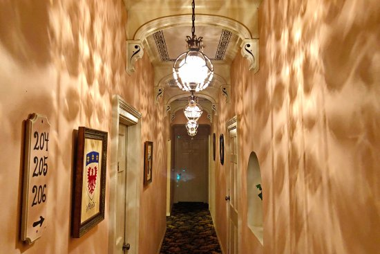 """Olivier House Hotel: Hallway to Room 206, where the """"alleged"""" ghost of a Confederate Soldier roams."""