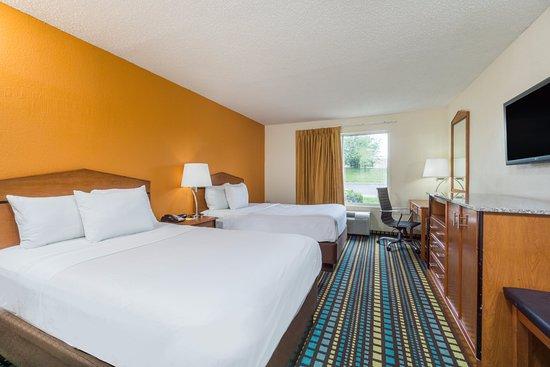 Days Inn Florence: 2 Full Beds Standard