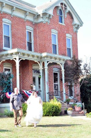 Metropolis, IL: Just Married at the Mansion