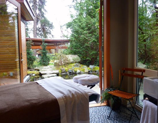 Halfmoon Bay, Canada: Zen Teahouse garden studio great for massage, yoga or meditation