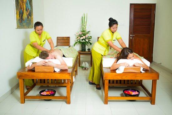 Lodtunduh, Ινδονησία: Couple Massage Treatment by Khayangan Spa
