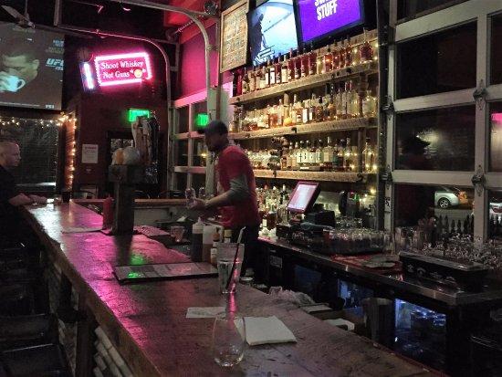 Peekskill, نيويورك: Buns & Bourbon in Peekskill, NY