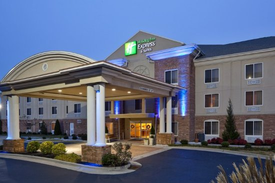 Welcome to the Holiday Inn Express hotel along I-85 in Archdale.