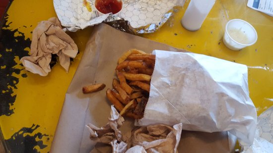 Burgerworx: This is a large fry prob a good 2/3 of a pound of fries(NO JOKE)