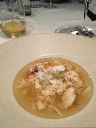 Quay Restaurant: Chawanushi of cauliflower, mud crab, broth