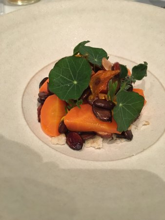 Quay Restaurant: Slow cooked carrots, feta, smoked almonds, pepitas, agretti, oca