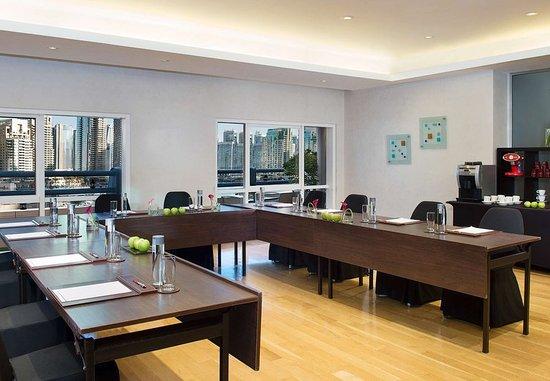 Dubai Marriott Harbour Hotel & Suites: Meeting Room - U Shape Setup