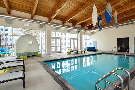 มิลเบร, แคลิฟอร์เนีย: Splash indoor pool