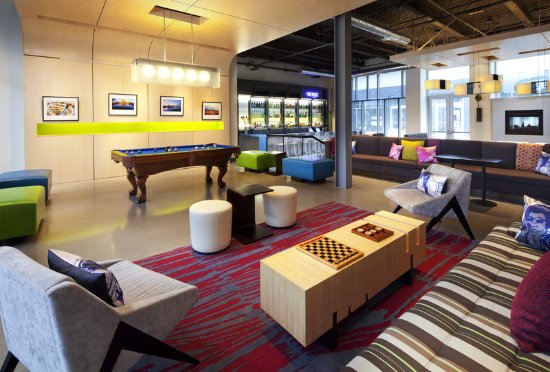 มิลเบร, แคลิฟอร์เนีย: Re:mix(SM) lounge/ W XYZ(SM) bar