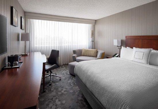 Richmond, CA: Queen Guest Room