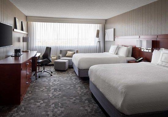 Richmond, CA: Queen/Queen Guest Room