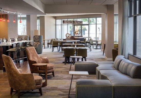 Richmond, CA: Lobby