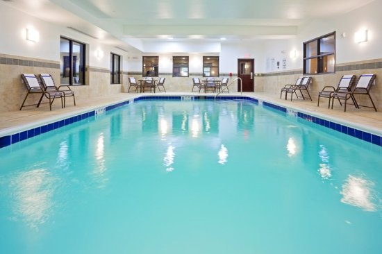 Cicero, Estado de Nueva York: Our indoor heated pool is just the relaxation you need.