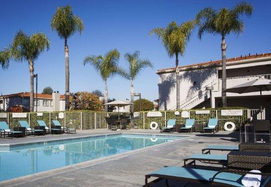 La Mirada, Califórnia: Outdoor Pool & Spa