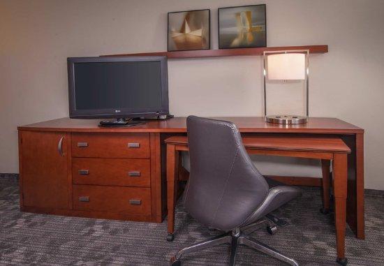 Greenbelt, MD: Guest Room - Work Area