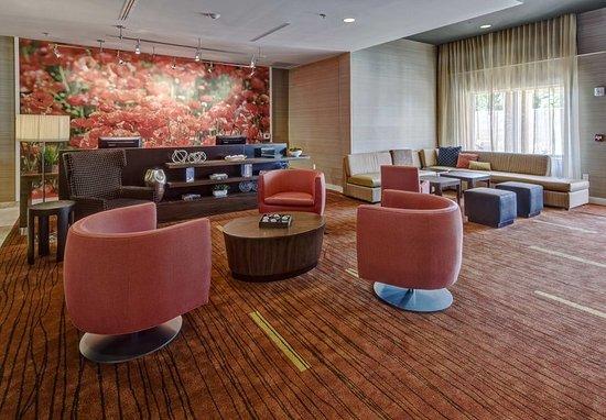 Westbury, Nowy Jork: Lounge