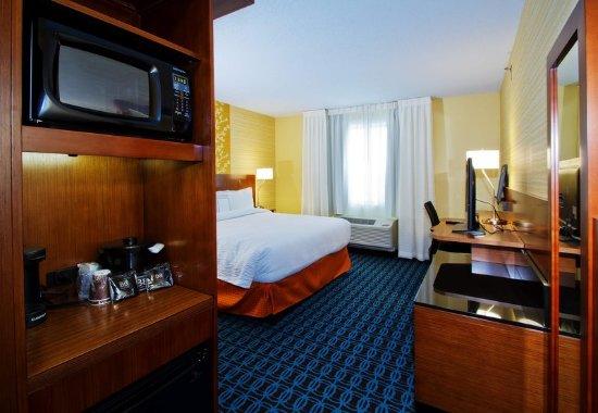 Wentzville, MO: King Guest Room