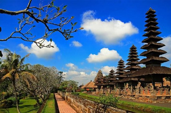 MONKEY ROYAL TEMPLE AND TANAH LOT TOUR