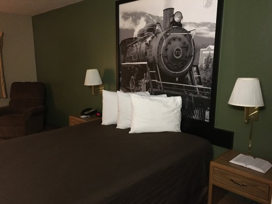 """Fosston, MN: Rooms are tidy upon arrival. Redefining """"hotel art."""""""