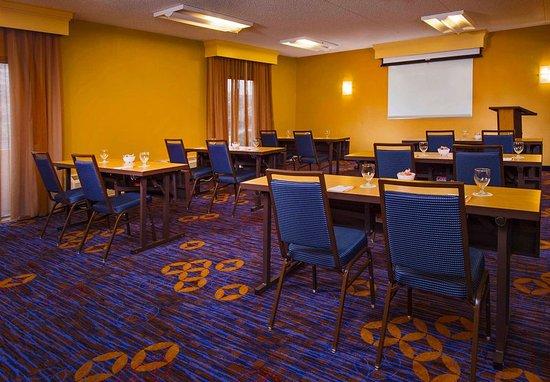Courtyard Virginia Beach Norfolk: Meeting Room
