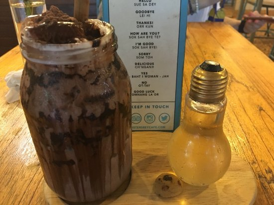 Sister Srey Cafe: Iced Chocolate