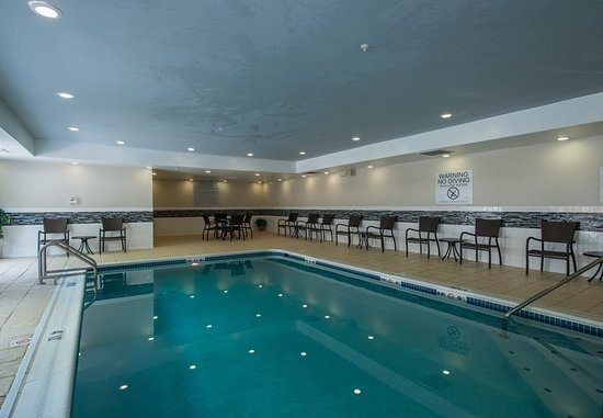 Fairfield inn suites indianapolis northwest updated 2017 hotel reviews price comparison for Hilton garden inn northwest indianapolis