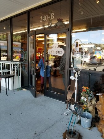 Black Bear Antiques: Awesome shop! A to Z items in lots of categories