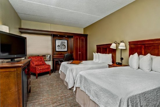 West Des Moines, IA: 2 Double Bedroom