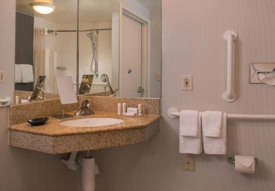 Accessible Guest Bathroom Vanity Picture Of Courtyard Columbia Columbia Tripadvisor